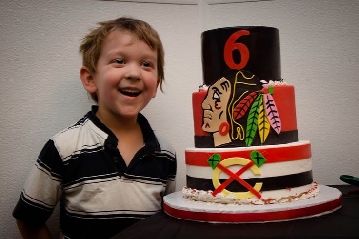 Now this looks like a perfect #Blackhawks birthday cake!