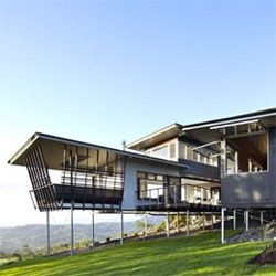 'Glass House Mountain House' in Maleny by Bark Design Architects.