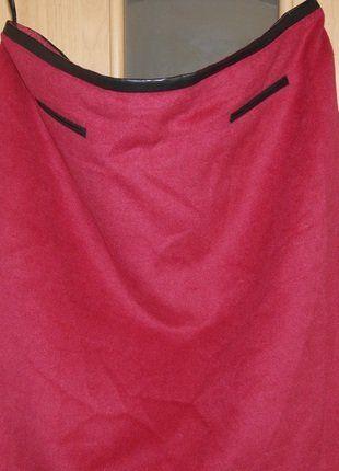 Kup mój przedmiot na #vintedpl http://www.vinted.pl/damska-odziez/spodnice/15906331-spodnica-ciepla-czerwona-z-wstawkami-z-eko-skory