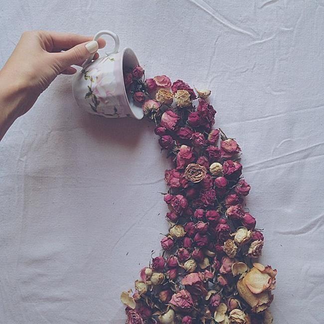 Rus Sanatçı Marina Malinovaya'dan Fincan ve Çiçeklerle Yapılmış 20 Muazzam Çalışma Sanatlı Bi Blog 18