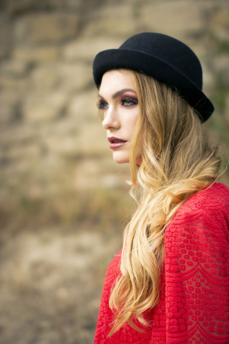 Red dress outfit  #fashion #fashionblogger #style #streetstyle #reddress #red #autumn #hat #blonde