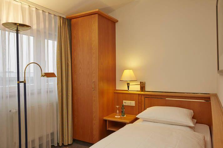 Komfort Einzelzimmer im RAMADA Hotel Magdeburg