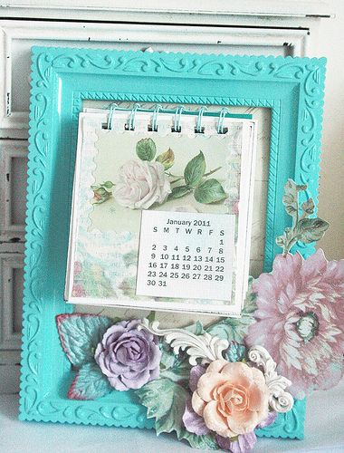 Love the idea of framing the calendar and each year you could change out the calendar