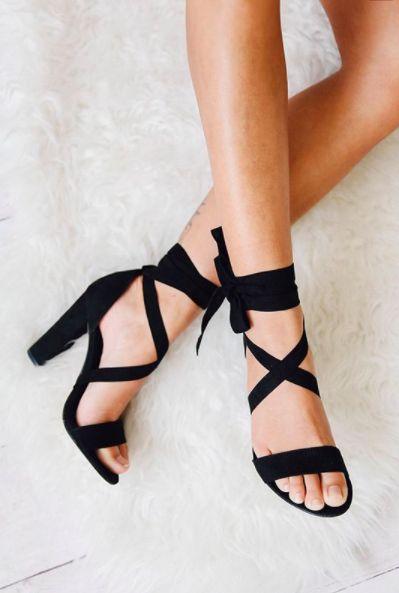 Black sandals sassyinthecity.com