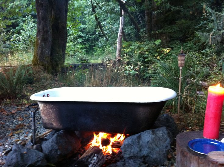 Cast iron tub, heated by fire , used for glamping, Olympic Peninnisula