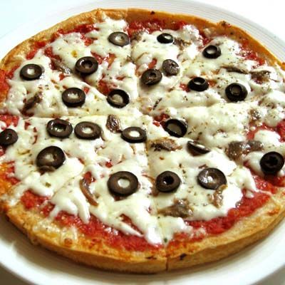 black olives on pizza