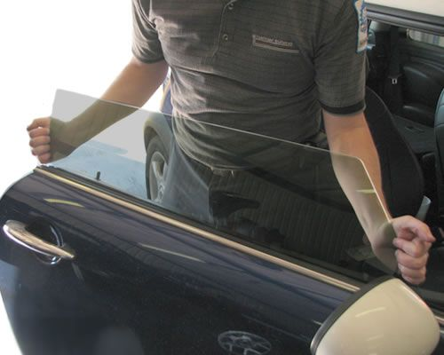 Don't let a broken car window slow you down this holiday season - schedule affordable car window repair in Orlando at our dealership!   http://blog.toyotaoforlando.com/2014/11/take-care-car-window-repair-hit-road/