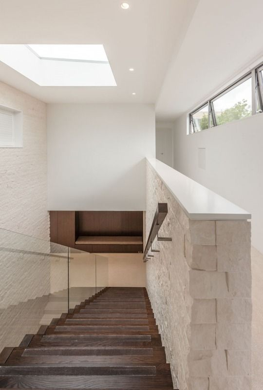Hitch House Tile Warehouse » Archipro