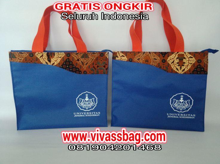 Harga tas seminar di Vivass Bag sangat terjangkau dan mendapat Gratis Ongkir.