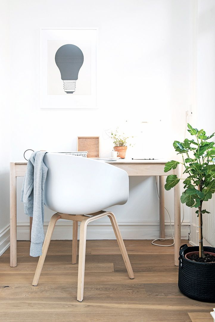 Via NordicDays.nl | Swedish Apartment with a Touch of Green