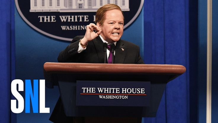 Sean Spicer (Melissa McCarthy) and Jeff Sessions (Kate McKinnon) take questions from the press (SNL)