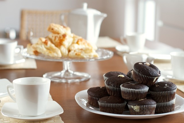 Kawka i muffinki mocno kakaowe z mascarpone. W oczekiwaniu na niedzielnych gości.