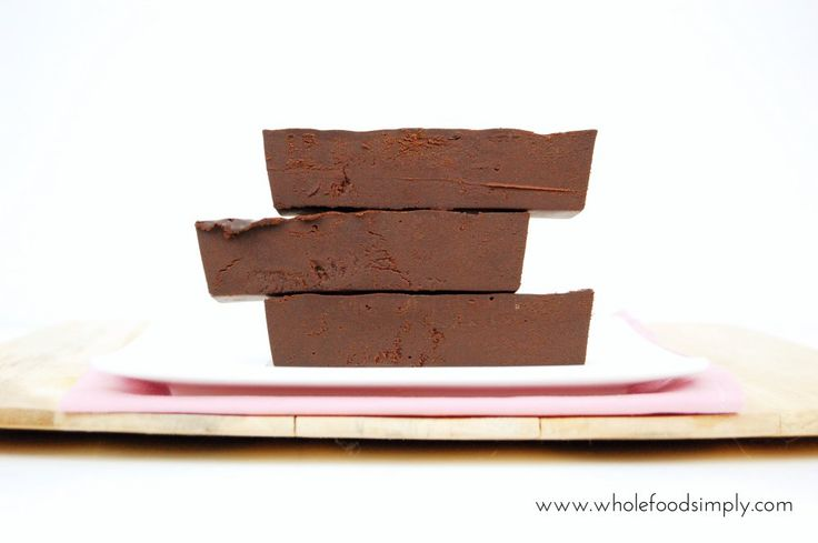 https://wholefoodsimply.com/wp-content/uploads/2015/08/Mix-and-Make-Chocolate-Fudge 1000.jpg