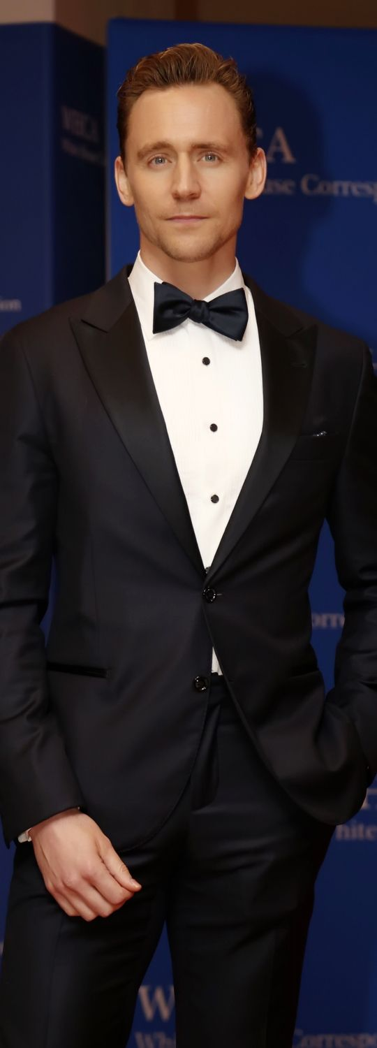 Tom Hiddleston attends the 102nd White House Correspondents' Association Dinner on April 30, 2016 in Washington, DC. Higher resolution image: http://tomhiddleston.us/gallery/albums/2016/events/whitehousearrivals/013.jpg Source: http://tomhiddleston.us/gallery/displayimage.php?album=718&pid=32885#top_display_media