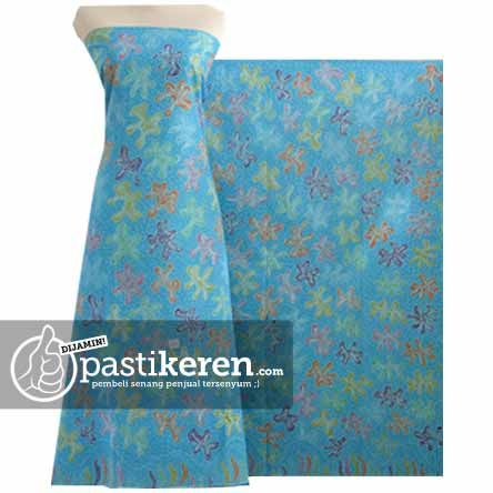 Traditional Handmade Batik cloth from east Java  http://pastikeren.com/batik-tulis-madura-btm-154bm/