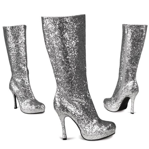 Zilveren glitter laarzen met hak voor dames. Zilverkleurige laarzen bezaaid met glitters. De hak hoogte is ongeveer 10 cm.