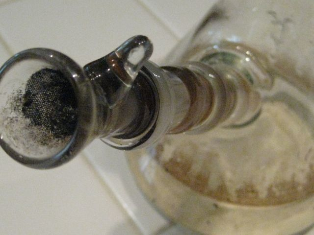 Bong Cleaning 101: Formula 420 or Salt and Rubbing Alcohol? | Weedist