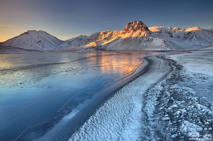 Sunrise at Landmannalaugar during winters! 🌄 www.tour.is #sunrise #landscape #Landmannalaugar #winter #travel #tour #Iceland #expedition #wanderlust #adventure #travelfreak #explore
