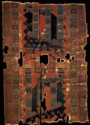 Historical Seljuk / Seljuq rugs and carpets. Historical rug with animal design, 13-14th centuries. Turkey or Azerbaian. Kircheim Orient Stars Collection