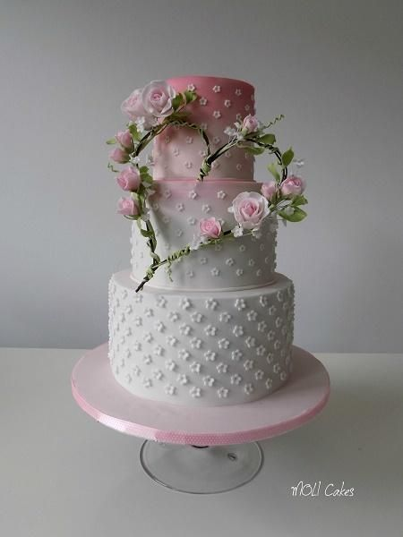 Love heart by MOLI Cakes - http://cakesdecor.com/cakes/253155-love-heart