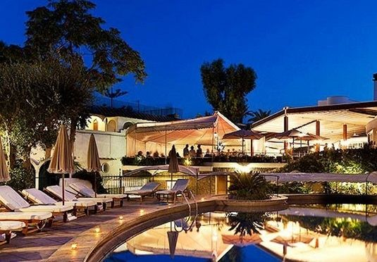 Filmreifer 5-Sterne-Urlaub auf der Grünen Insel im Golf von Neapel – inkl. Hin-/Rückflug, Flughafentransfers, Halbpension  Grand Hotel Punta Molino Terme auf Ischia