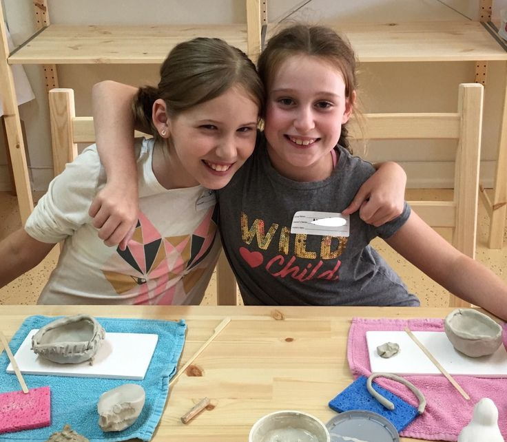 School Holidays | Colour My Pot #schoolholidays #activities #clay #greatfun #friends #colourmypot #potterypainting #painting #pyop