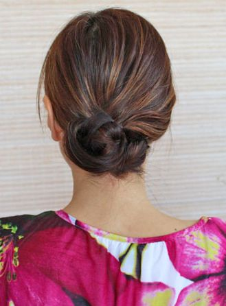 Hot Crossed Bun: A super easy chignon tutorial