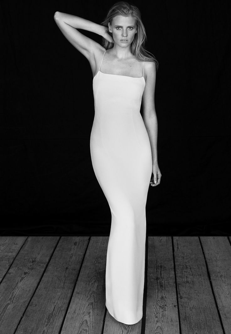 lara stone body shoot5 Lara Stone Stars in The Edit, Talks Post Baby Body