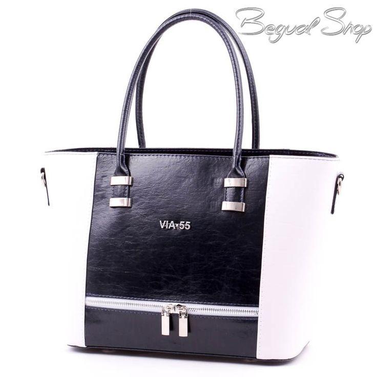 Via55 kék-fehér rostbőr női táska.1 cipzáros rekesszel rendelkezik. Belsejében3 kis zseb és 2 cipzáros kis zseb található. Tartozik hozzá egy rácsatolható, állítható hosszúságú vállpánt is.