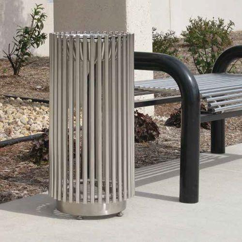Cenicero pie bancada / de acero / para exterior / para lugar público GENOVA™ Madrax/Thomas Steele