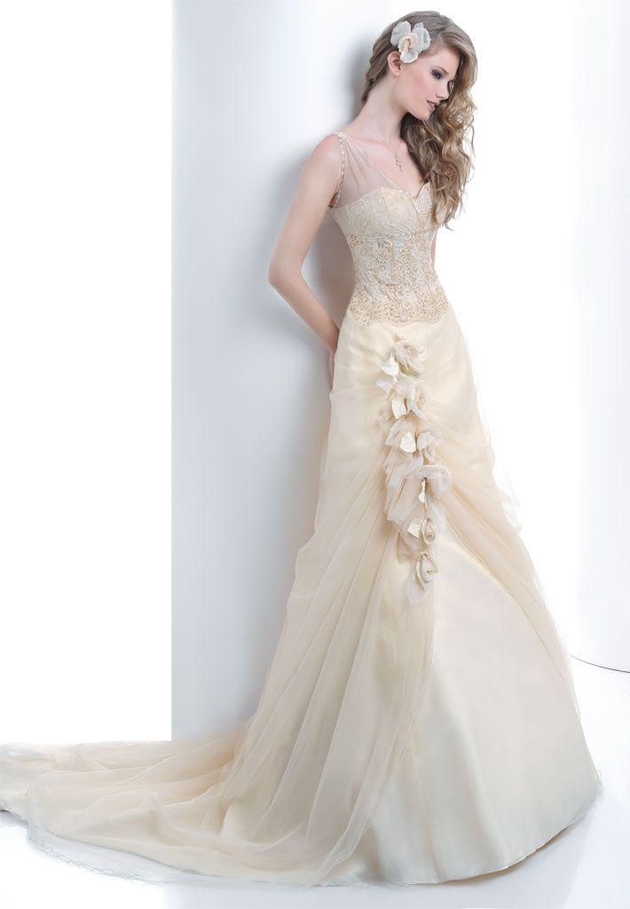 #Abito da #sposa color panna