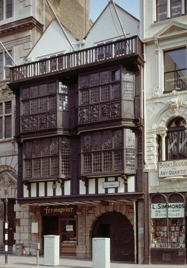 """This beautiful building in Fleet Street, known as """"Prince Henry's Room"""", managed to escape the ravages of the fire. Once a tavern where Samuel Pepys liked to cavort, its intricately decorated plaster Jacobean ceiling is one of its most impressive features."""