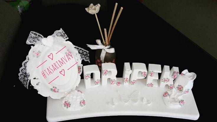 Toplu Sipariş alınır. �� Siparişleriniz özenle Kargolanır. #dizayn#yıldönümü#nisan#söz#dişbuğdayı#doğum#evlilik#kına#özelgün#babyshower#bebek#bebekmevlüdü#kokulutaş#değişikhediye #sünnetmevlüdü#kırkmevlüdü#mevlüd#yasiniserif#hediye#tasarım#nikah#nikahsekeri#düğün #hamile#magnet#isimlik #annem#tasarimvav#kişiyeözel#isimlik http://turkrazzi.com/ipost/1517425244499144556/?code=BUO-jhflO9s