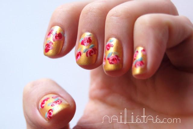 Uñas decoradas con flores // Manicura de flores estilo oriental // dorado flormar 03