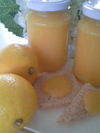 Lemon curd zo makkelijk zelf te maken  Tegenwoordig staat hier iedere zondag bij het ontbijt een potje met van die heerlijke gele lemon cur...