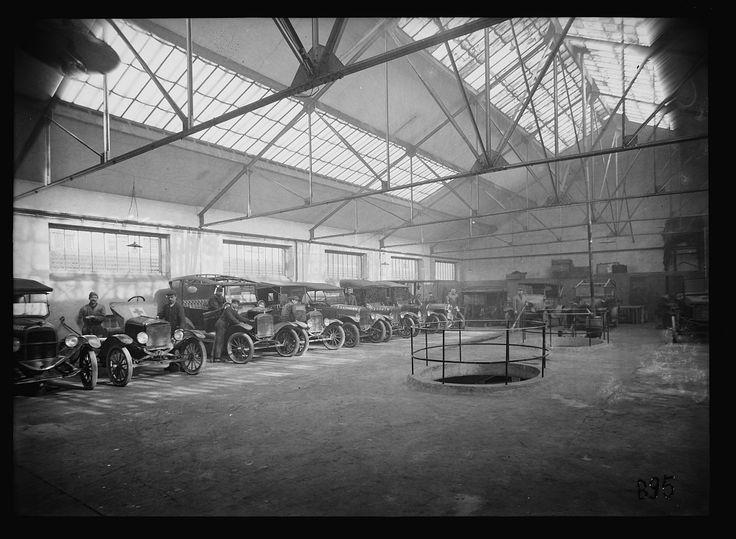 18 best old garage images on pinterest garage garages for Garage ad paris