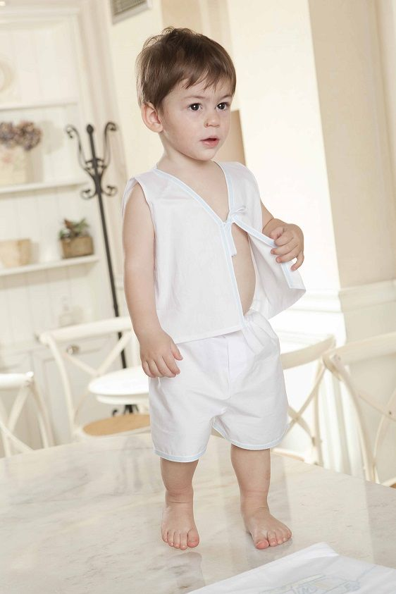 Little George posing for Lina Baby catalogue photoshoot !! #babyboy #oilcloths #ladopana #linababy