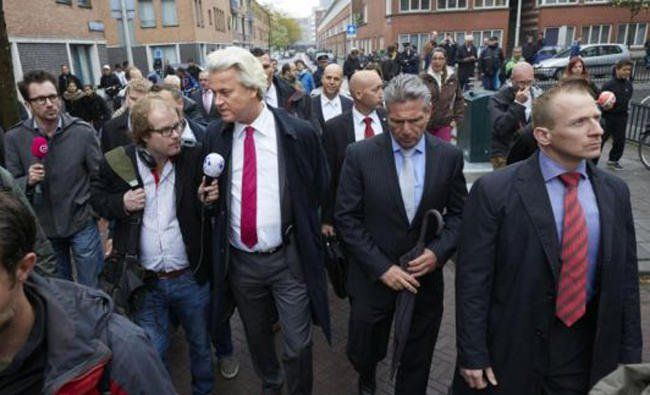 Court orders Dutch govt to finance new Islamic school http://betiforexcom.livejournal.com/26852116.html  Author:Agence France PresseWed, 2017-07-26 23:50ID:1501091246843794000THE HAGUE: The Dutch government was ordered Wednesday by the country's highest court to approve funding for a new Islamic school in Amsterdam which it had sought to ban. Funding for the school was refused in 2014 by Deputy Education Minister Sander Dekker, after a member of the school's board voiced support for the…
