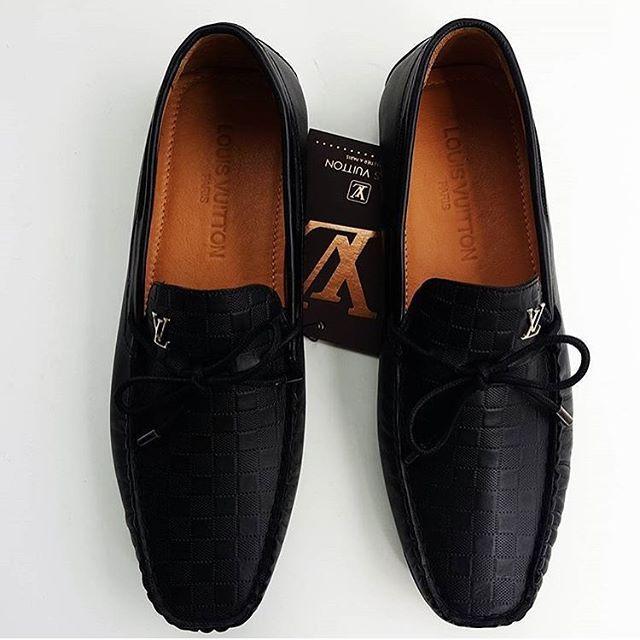 Louis Vuitton Paris Siyah Deri 199 TL + Kargo SİPARİŞ WHATSAPP 0553 377 7949- 0546 261 6163 #erkekkombin #leathershoes #mensshoes #mensfashion