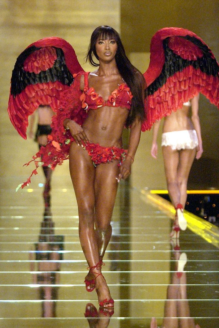 Catwalk Queen: Naomi Campbell's Runway Evolution