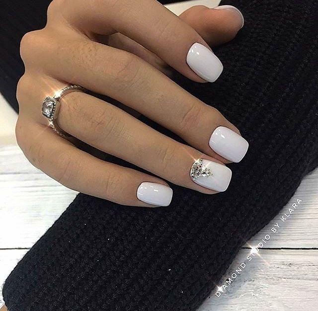 Pin By Anastasiya On Manicure Manikyur Short Acrylic Nails Designs Short Acrylic Nails Diamond Nails