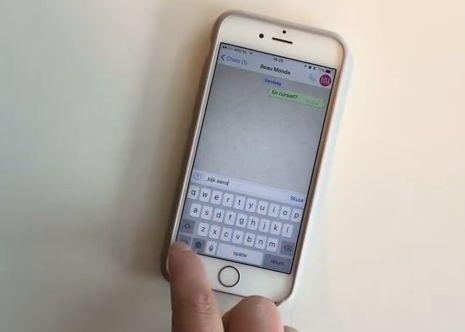 WhatsApp heeft iets nieuws aan zijn mogelijkheden toegevoegd waardoor je je vanaf nu extra duidelijk kunt uitdrukken! Goed nieuws voor whatsappers, want dankzij de nieuwste functie van WhatsApp kun je nu je tekst vet maken, schuin zetten of doorstrepen. Hoe? Om een woord of zin vetgedrukt (oftewel bold) te maken, zet je voor en na de…