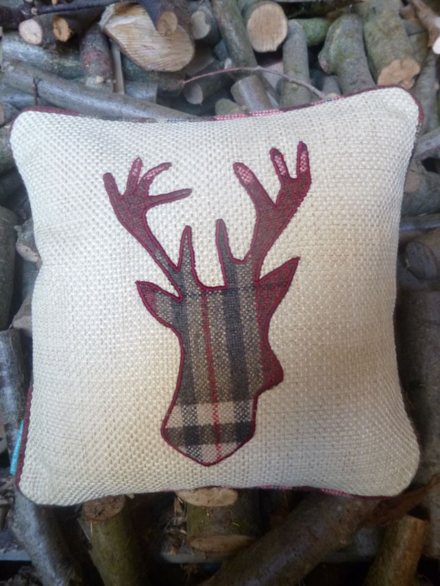 Christmas+Stags+head+cushion £14.00