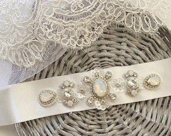 Ivory Bridal Sash, Opal Crystal Bridal Belt, White Opal Wedding Dress Belt, Crystal Beaded Sash Belt, Opal Moonstone Wedding Sashes Belts