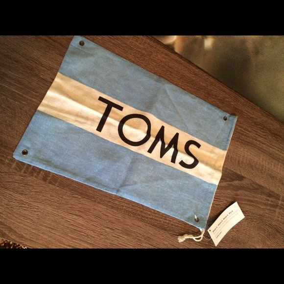 TOMS flag $5 or free with bundle of other listed items (i.e. not included in the bundle).  Be sure to message me about it. :) TOMS Other