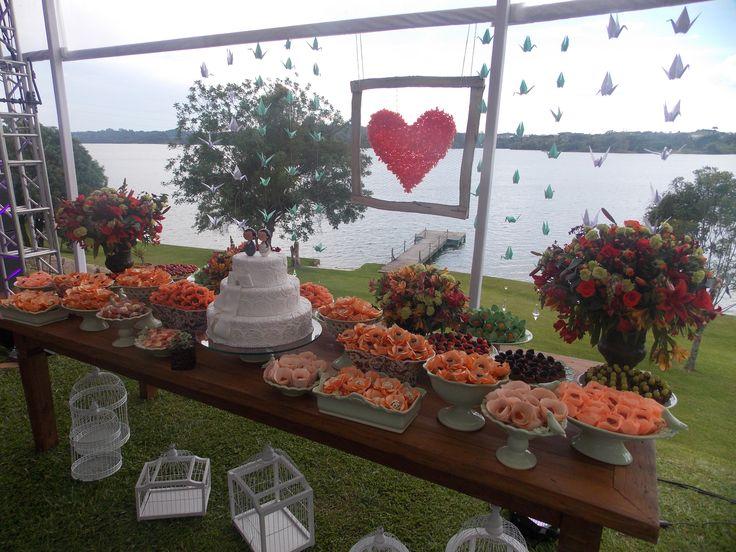 mesa de doces com porcelanas www.docetalentonet.com.br