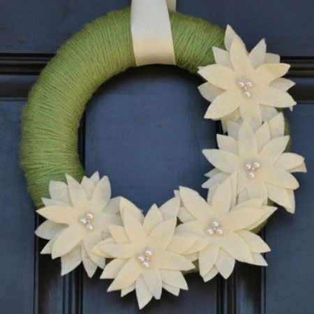 yarn & white felt poinsettia wreath