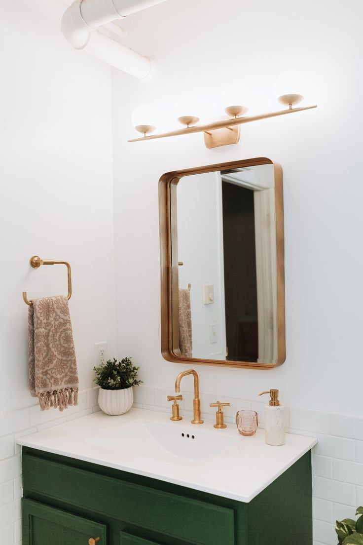 Awesome News Good Informations Starts From Awesome News Modern Bathroom Remodel Bathroom Decor Beautiful Bathroom Designs [ 1104 x 736 Pixel ]