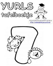 Tafels oefenen met tafelboekjes.