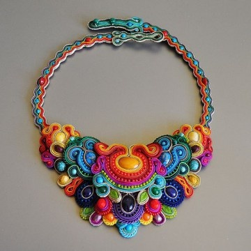 Multicolored necklace. - Collar multicolor.